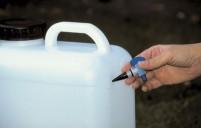 Robinet de purge pour les bidons d'eau